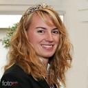 Württembergs Weinkönigin 2010 Juliane Nägele gutgelaunt zur ersten Amtshandlung.