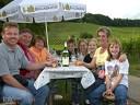Natur und Wein: Alle paar hundert Meter lud ein Weinständle zum Verweilen ein.