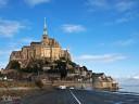 Bretagne, Mont St. Michel: In der Morgensonne noch rein und unnahbar.